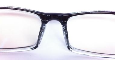 3ヵ所壊れたボロボロの眼鏡をZoffは直してくれるのか